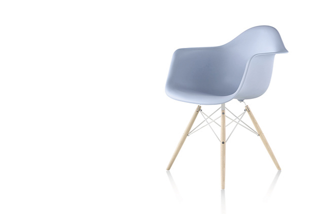 eames plastic moulded chair