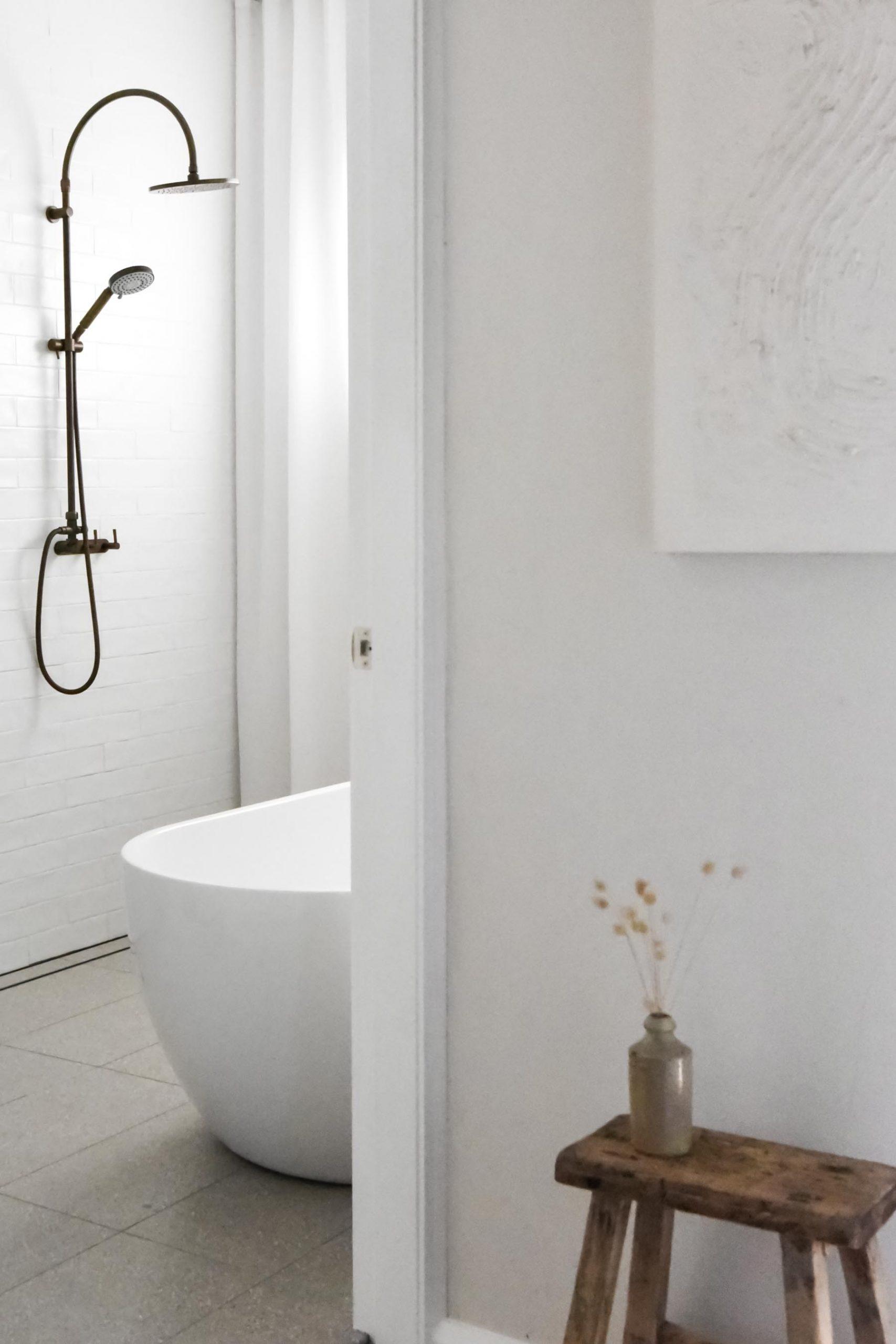 Minimalist bathroom curtains by GatherStudio
